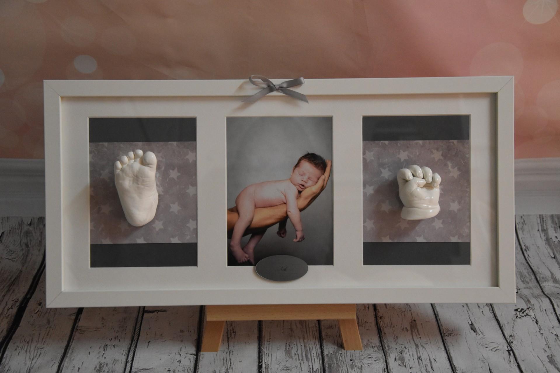 Händchen und Füßchen